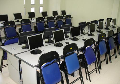 Bàn ghế phòng máy vi tính