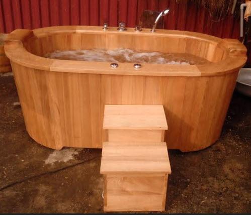 Kết quả hình ảnh cho bồn tắm gỗ pơ mu