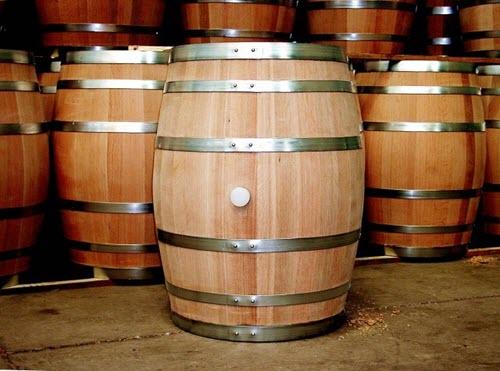Thùng ủ rượu gỗ sồi